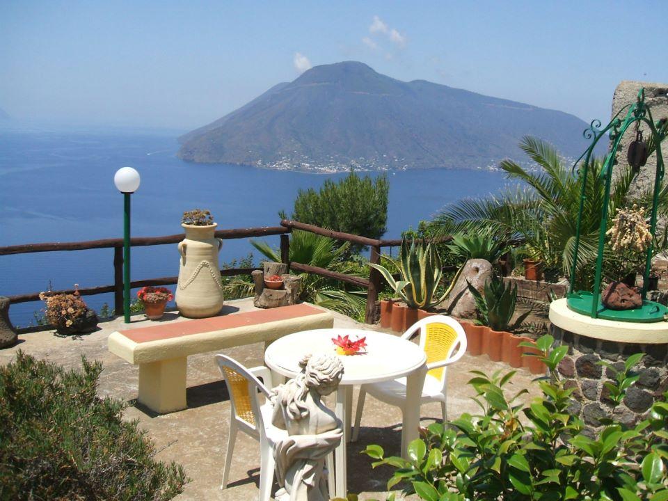 Lipari case vacanze vendita case vendita immobili case for Case in vendita nelle isole greche